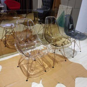 ghế cafe trong chân sắt